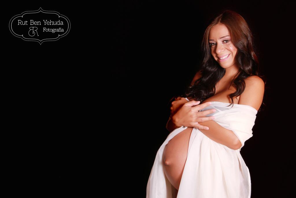 Fotografa Profesional de Embarazo recién Nacido y Familia, en el área de San Jose, Costa Rica.